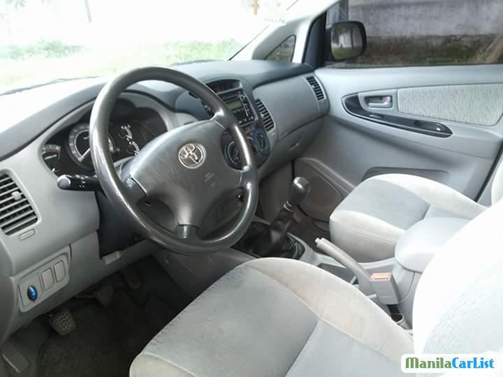 Toyota Innova Automatic 2011 - image 3