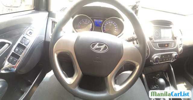 Hyundai Tucson Automatic 2012 - image 2