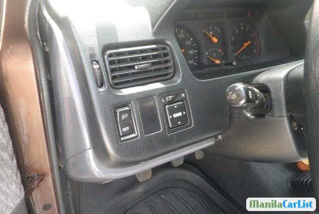 Toyota Revo Manual 2002 - image 2