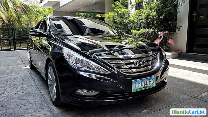 Pictures of Hyundai Sonata Automatic 2012