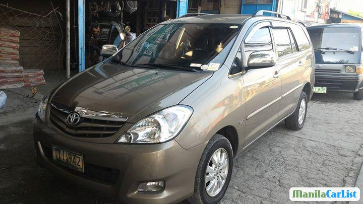 Pictures of Toyota Innova Manual 2011