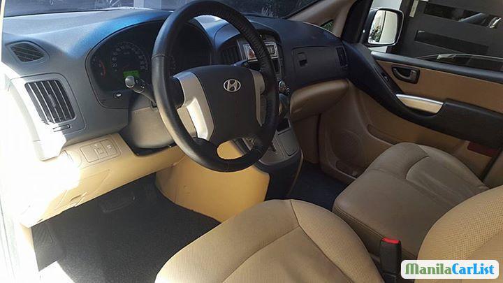 Hyundai Starex Automatic 2009