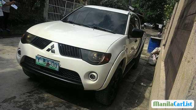 Picture of Mitsubishi Strada Manual 2007
