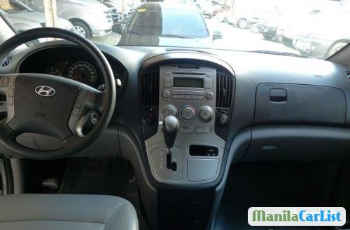 Hyundai Starex Automatic 2012 - image 3