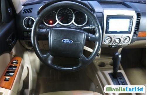 Ford Everest Automatic 2010 - image 2