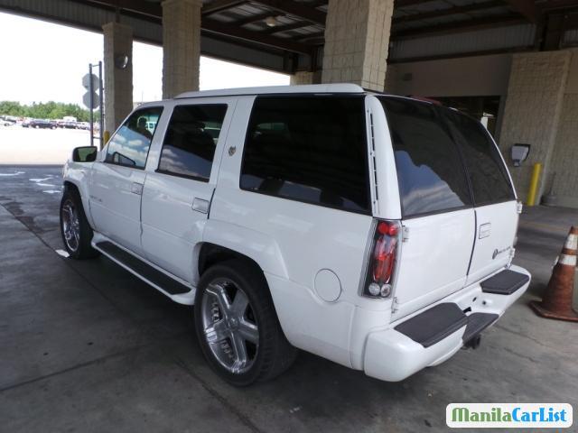 Cadillac Escalade Automatic 2000 - image 4
