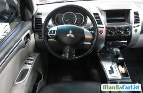 Mitsubishi Montero Sport Automatic 2010