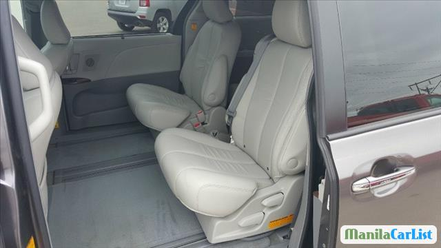 Picture of Toyota Sienna Automatic 2011 in Philippines