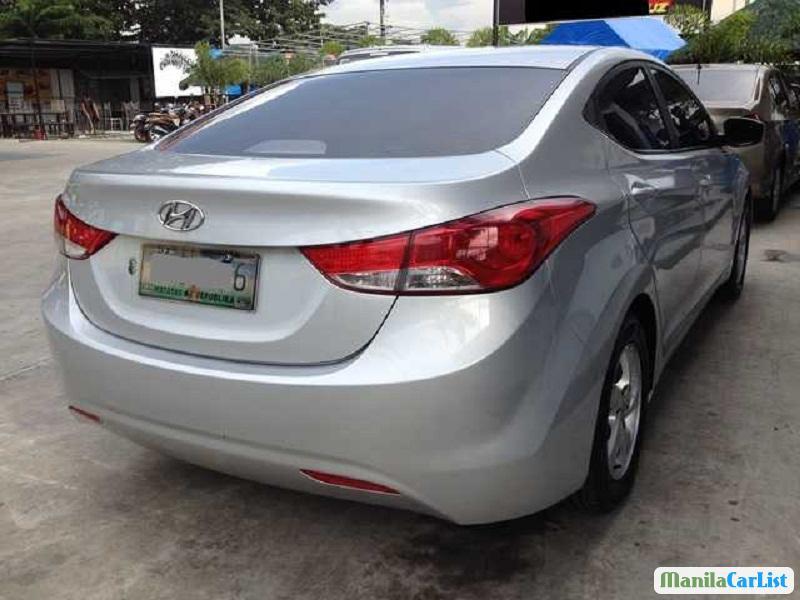 Hyundai Elantra Automatic 2015 - image 6