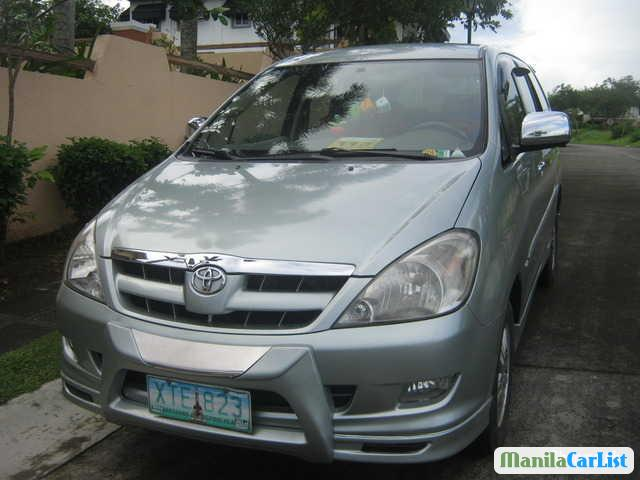 Pictures of Toyota Innova Automatic 2005