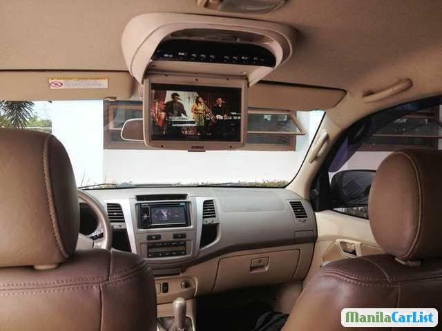 Pictures of Toyota Fortuner Automatic 2005