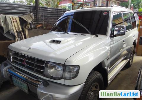 Pictures of Mitsubishi Pajero Manual 2000