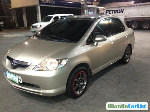 Pictures of Honda City 2004