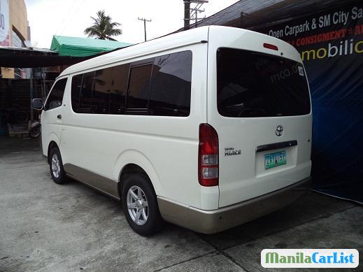 Picture of Toyota Hiace Manual 2005
