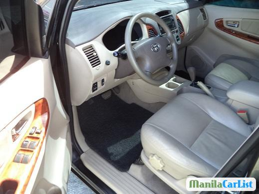 Picture of Toyota Innova Automatic 2009