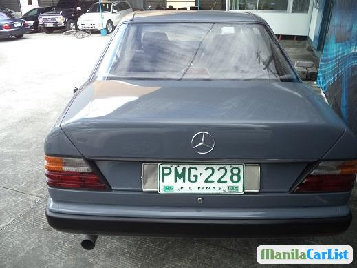 Picture of Mercedes Benz E-Class Manual 1986