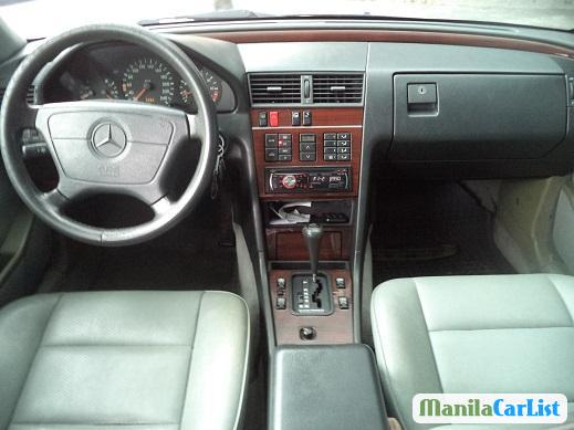 Pictures of Mercedes Benz C-Class Automatic 1986