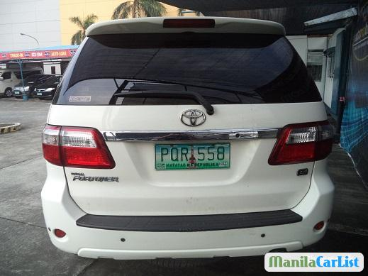 Picture of Toyota Fortuner Automatic 2010
