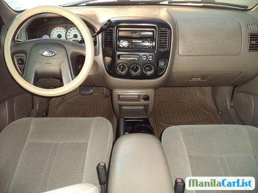 Pictures of Ford Escape Automatic 2004