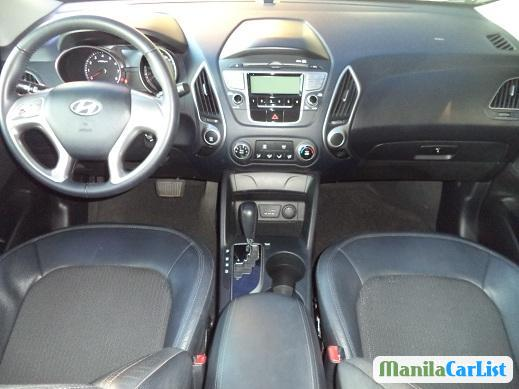 Pictures of Hyundai Tucson Automatic 2011