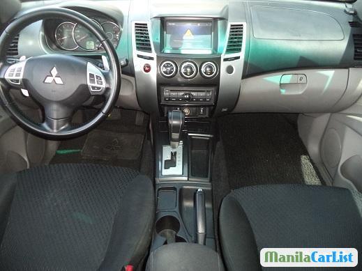 Picture of Mitsubishi Montero Sport Automatic 2014
