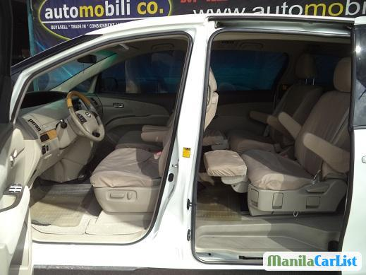 Pictures of Toyota Previa Automatic 2006