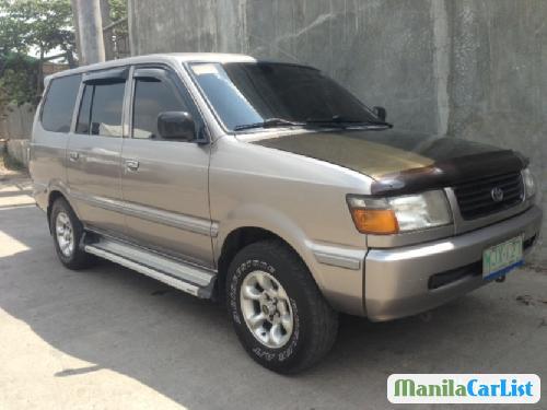 Toyota Revo 1999