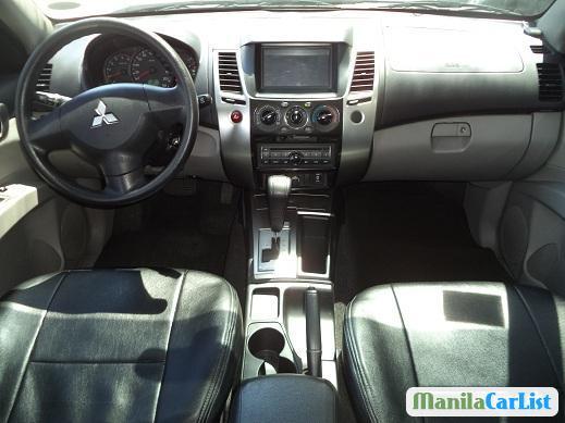 Mitsubishi Montero Sport Automatic 2014 - image 3