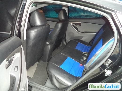 Hyundai Elantra Automatic 2011 - image 4