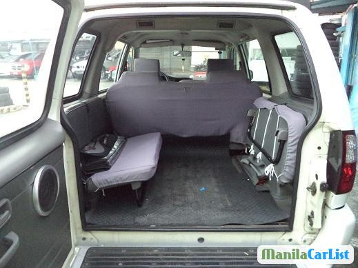 Isuzu Crosswind Manual 2006 - image 4