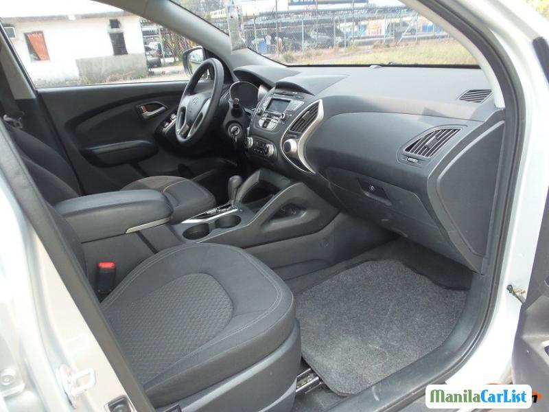 Hyundai Tucson Automatic 2010 - image 6
