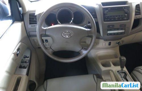 Toyota Fortuner Automatic 2007 - image 2
