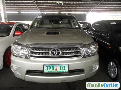 Pictures of Toyota Fortuner Automatic 2009