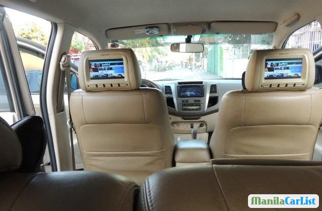 Toyota Fortuner Automatic 2006 - image 2