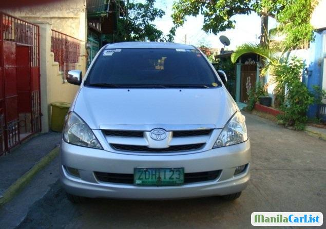 Pictures of Toyota Innova 2006