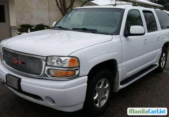 Pictures of GMC Yukon 2004