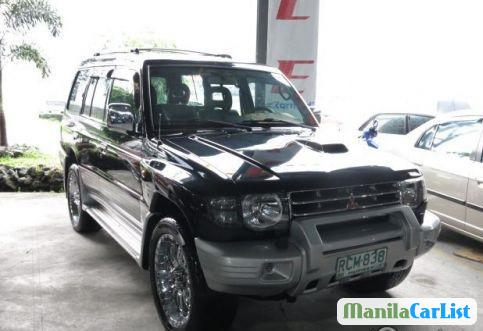 Pictures of Mitsubishi Pajero 2001