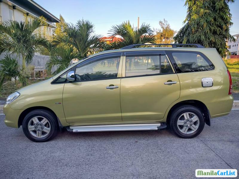 Pictures of Toyota Innova Manual 2006