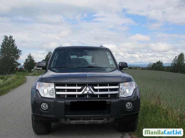 Picture of Mitsubishi Pajero Automatic 2012
