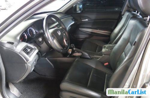 Honda Accord Automatic 2009 - image 6