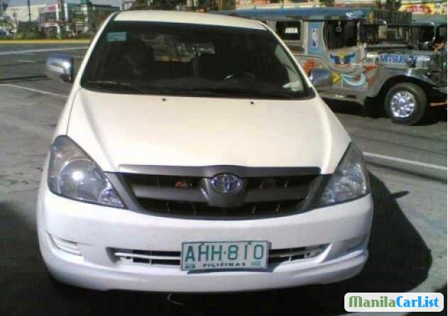 Pictures of Toyota Innova Manual 2005