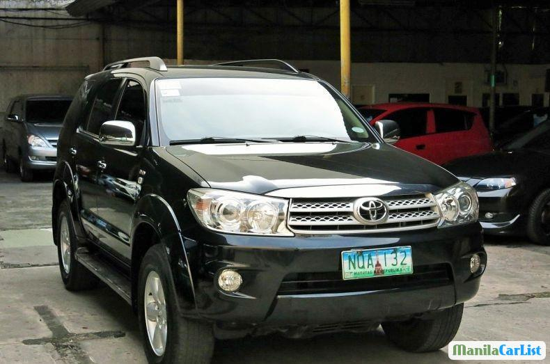 Picture of Toyota Fortuner 2010