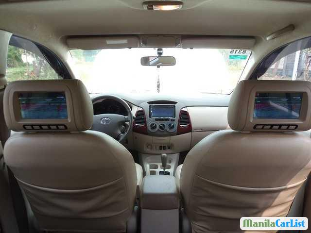Toyota Innova Automatic 2005 - image 2