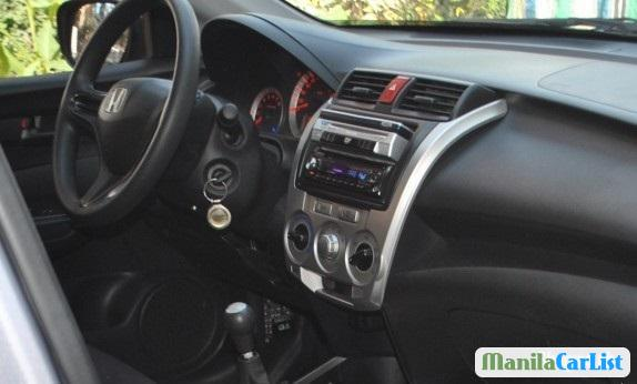 Honda City Manual 2009 - image 3