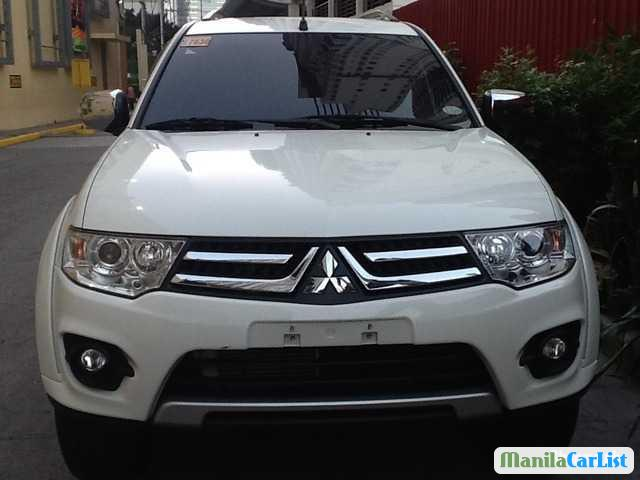 Picture of Mitsubishi Montero Sport Automatic 2014