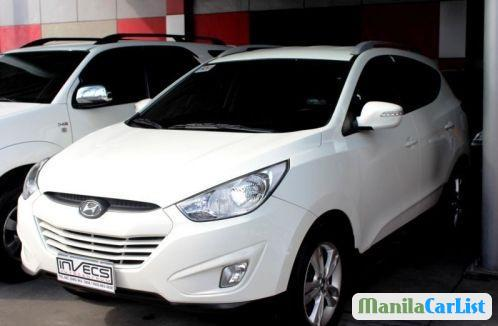 Pictures of Hyundai Tucson Automatic 2012