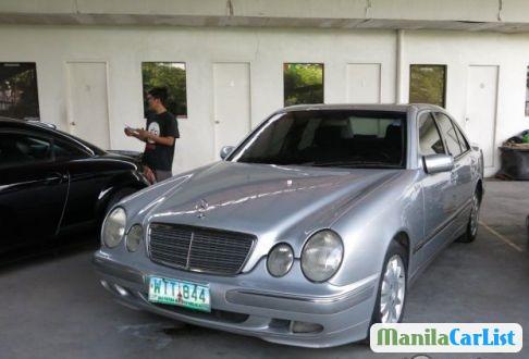 Mercedes Benz E-Class Manual 2000 - image 4