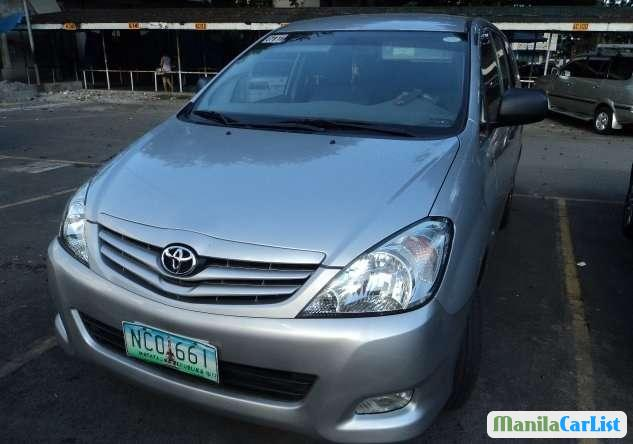 Pictures of Toyota Innova Manual 2009