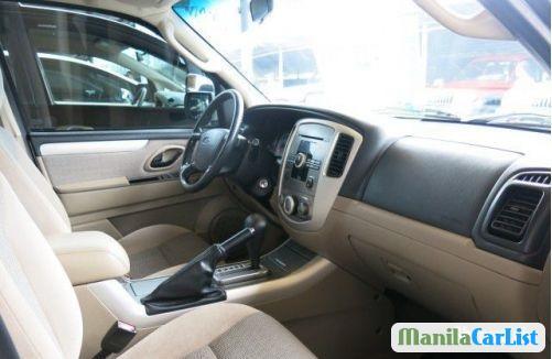Ford Escape Automatic 2010 - image 4