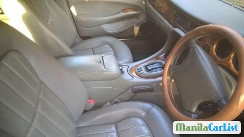 Jaguar XJ Manual 1998 - image 3